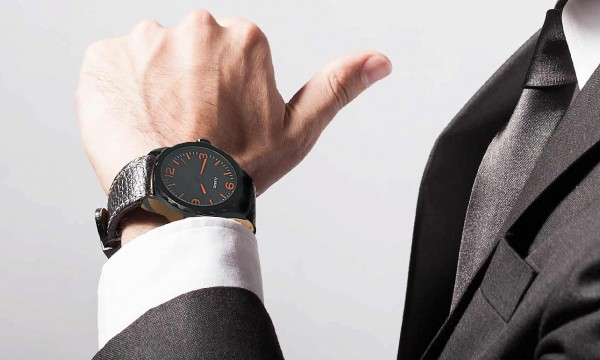 5f9a8e410 fotka zľavy Pánske hodinky pre všetkých štýlových mužov. Nadčasový  elegantný dizajn, ktorý podčiarkne vašu