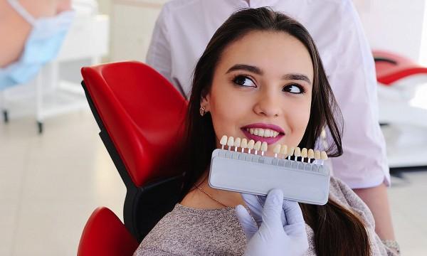 0af319107 Expresné alebo kompletné laserové bielenie zubov bez peroxidu v salóne  Sofia Bene