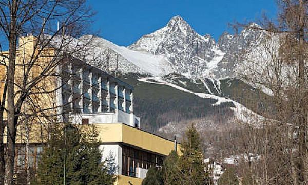 f86bf5817 Pobyt v centre Tatranskej Lomnice v 3* hoteli SOREA URÁN s polpenziou a  wellness