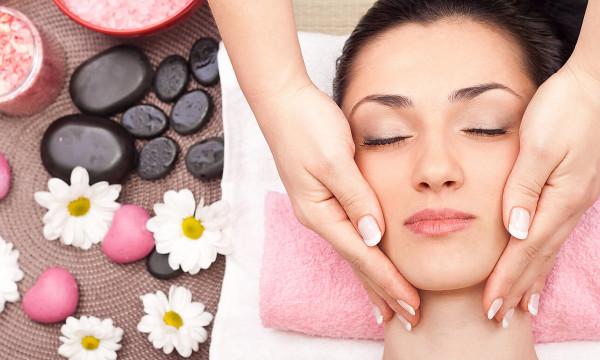 dc35c8183 fotka zľavy Regenerovať treba nielen telo, ale aj pokožku! Špeciálna masáž  tváre a dekoltu